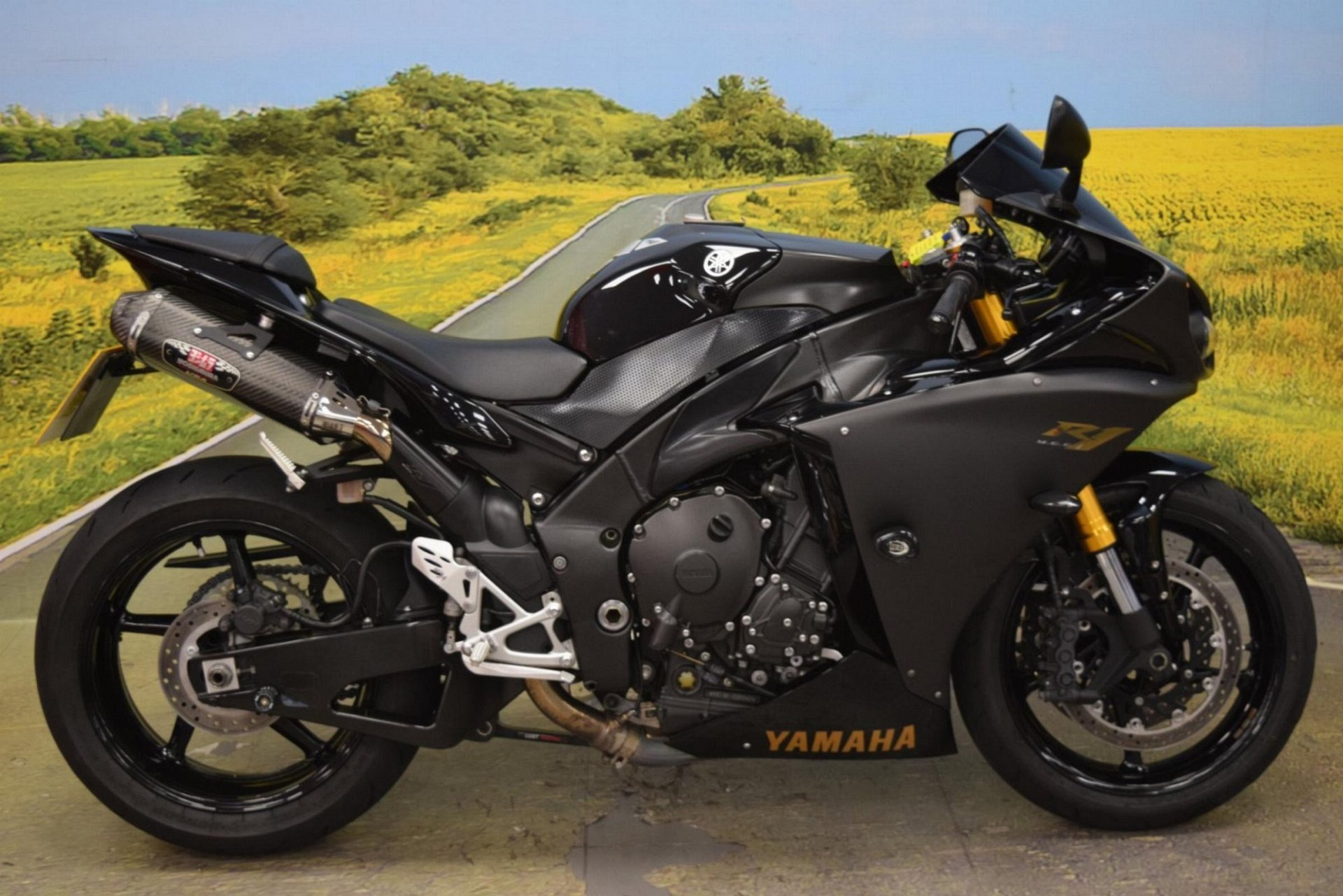 2010 Yamaha YZF R1 for sale in Staffordshire