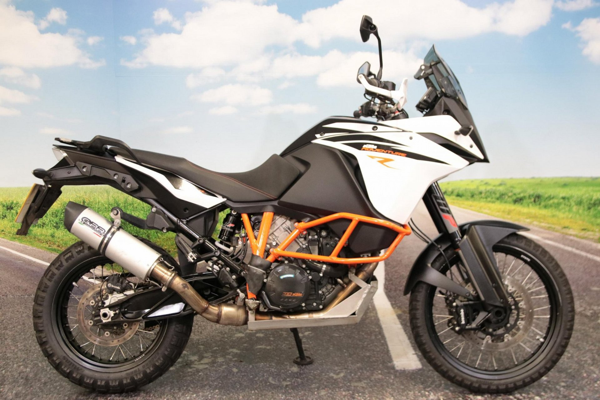 2018 KTM 1090 Adventure R for sale in South Wales
