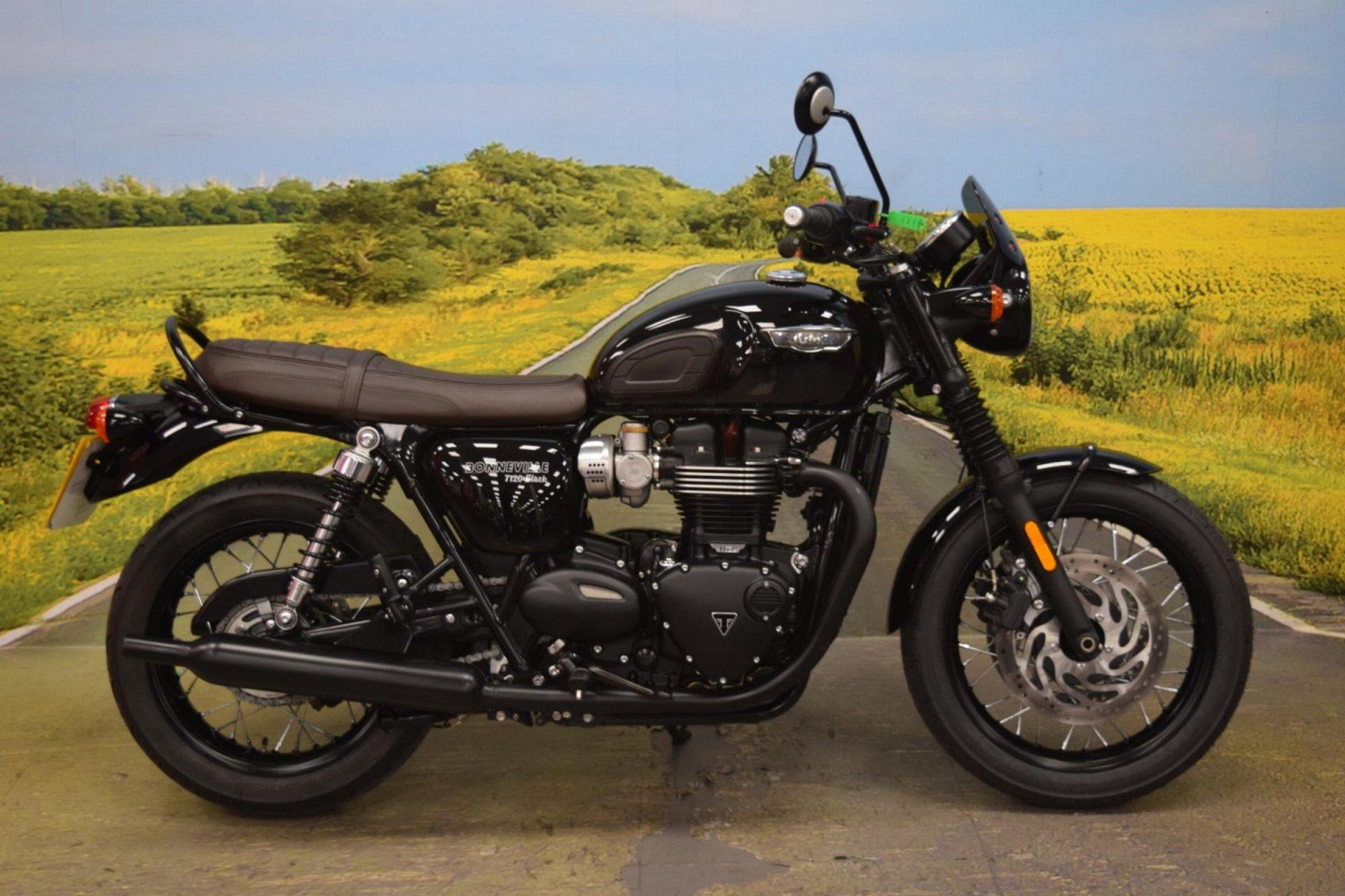 2017 Triumph Bonneville T120 Black for sale in Staffordshire