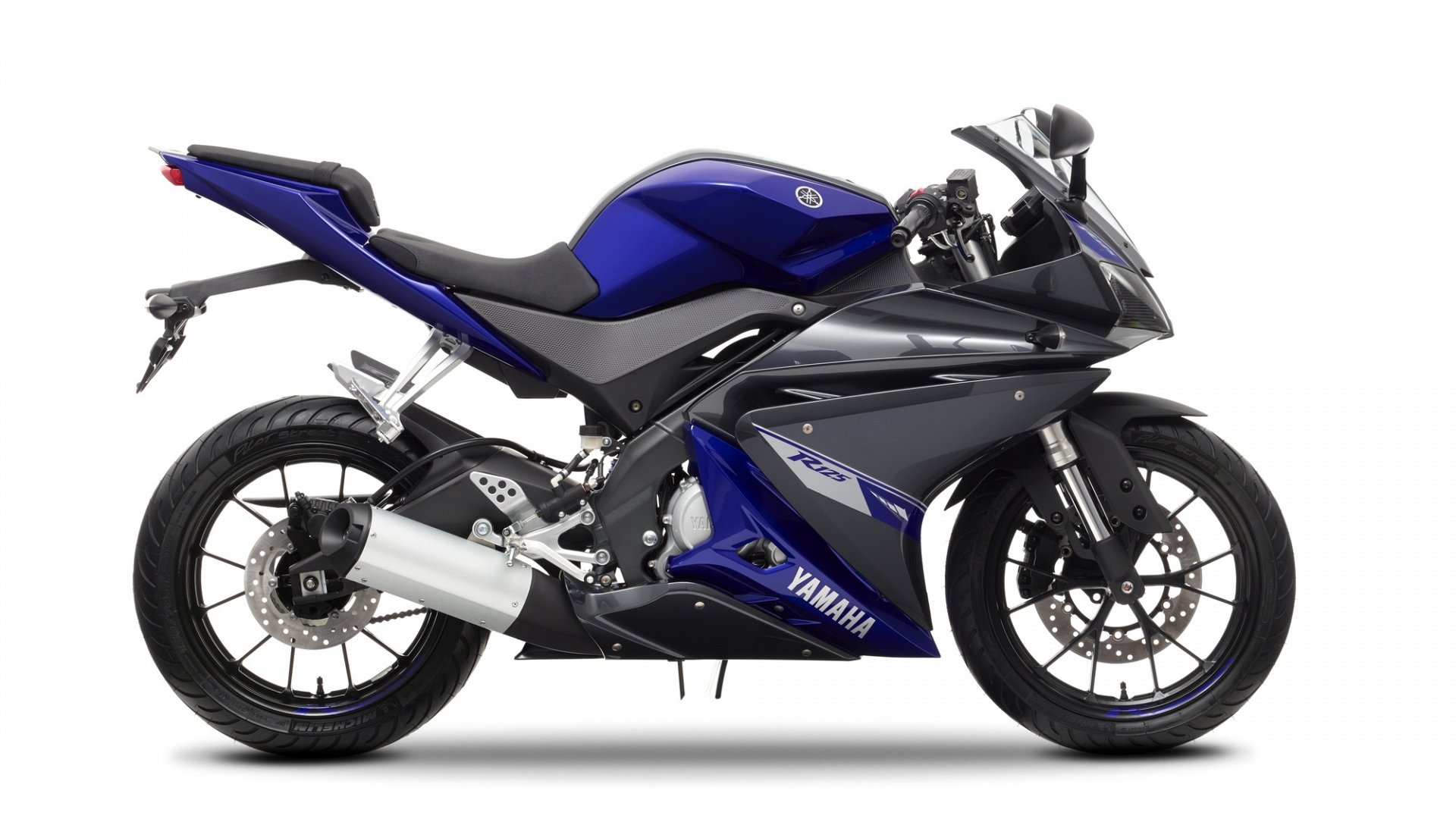 New Yamaha for sale. Finance available and part exchange welcome ...: www.cmcbikes.com/new-yamaha-motorcycles/2014-yamaha-yzf-r125